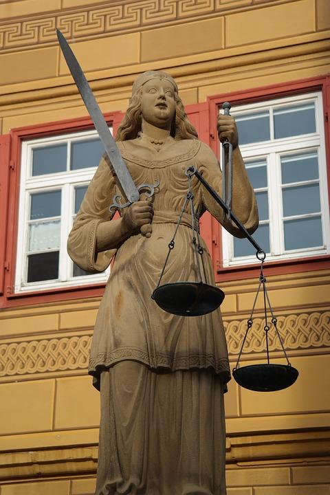justizia-141531_960_720